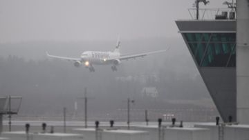 Sairastunut matkustaja eristettiin eilen Finnairin lennolla Hongkongista Helsinkiin.