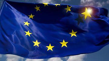 BREXIT-eu-lippu-tahti-irtoaa (1)