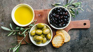Oliivit, oliiviöljy, mustat oliivit, vihreät oliivit