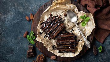 Brownie, suklaaleivokset, suklaa