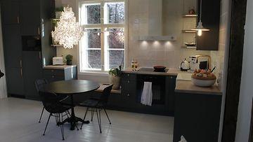 Kotoisa3_4_12_-keittiö