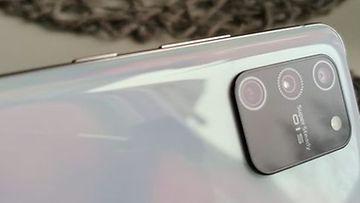 Samsung Galaxy S10 Lite äänenvoimakkuus ja virta