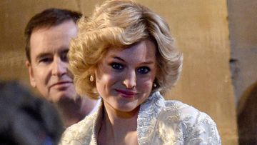 Emma Corrin prinsessa Dianan roolissa