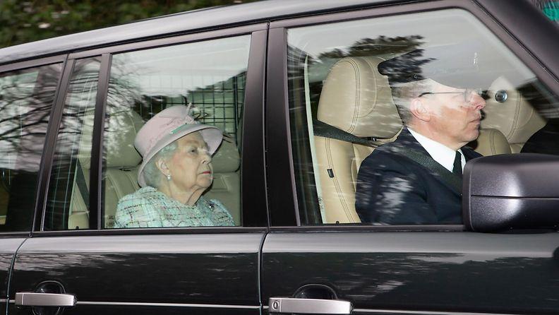 kuningatar Elisabet (2)