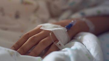 nainen, sairaala