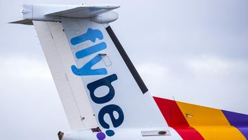 Flybe lopettaa lennot välittömästi eikä kykene järjestämään korvaavia lentoja.