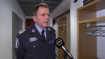 Uudenmaan eristäminen sitoo merkittävän määrän poliiseja valvomaan rajanylityspaikkoja – poliisiylijohtaja Lasse Aapio kertoo kuinka poliisit valmistautuvat tähän massiiviseen operaatioon