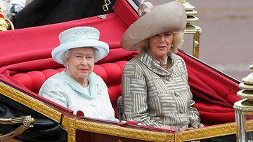 Kuningatar Elisabet ja herttuatar Camilla 2012