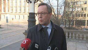Ministeri Lintilä: Suomi alkaa valmistaa suojavarusteita – hengityssuojia jopa 200 000 päivässä