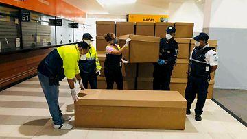 Ecuador, pahvilaatikkoarkut