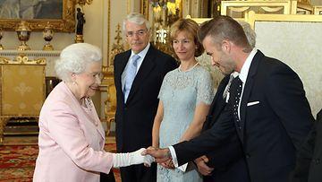 Kuningatar Elisabet, David Beckham