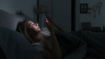 Unettomuus puhelin