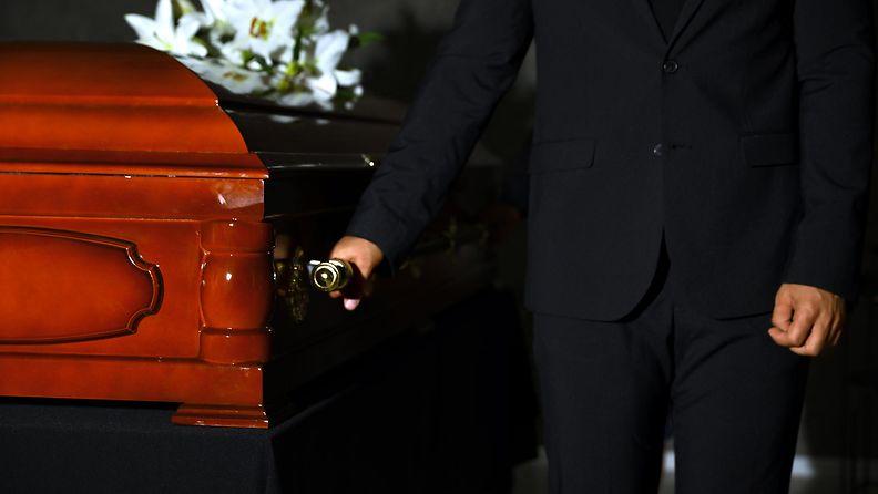 arkku, hautajaiset