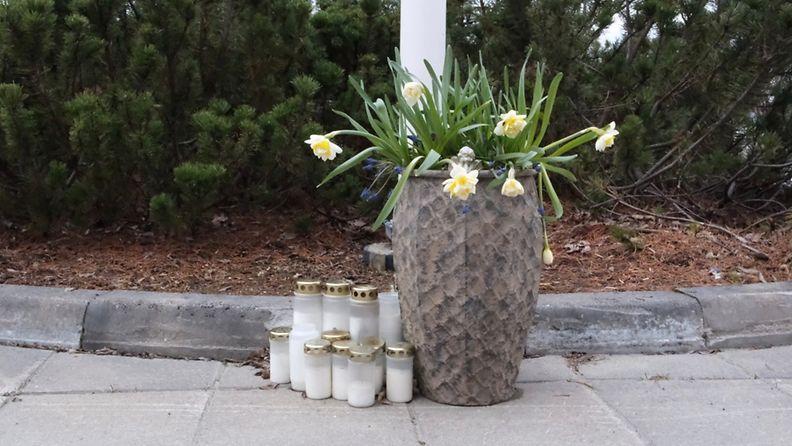 Oma Kiuruvesi kynttilät korona kukat
