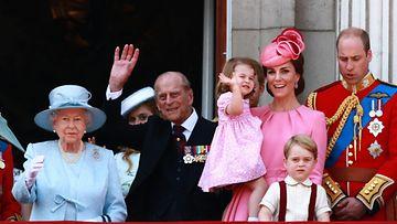 kuningatar Elisabet prinssi Philip herttuatar Catherine prinssi William ja lapset