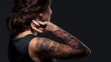 tatuoitu nainen