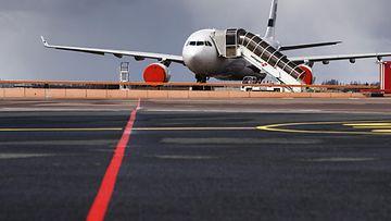 LK 17.5.2020 Finnair lentokone lentokenttä