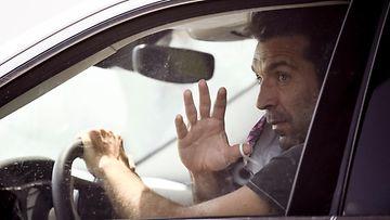 Gianluigi Buffon saapui Juventuksen harjoituksiin maanantaina autollaan. Kuva: Getty Images