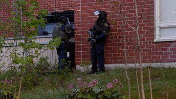 LK Espoo Mäkkylä räjähdys poliisi kerrostalo 25.5.2020 2