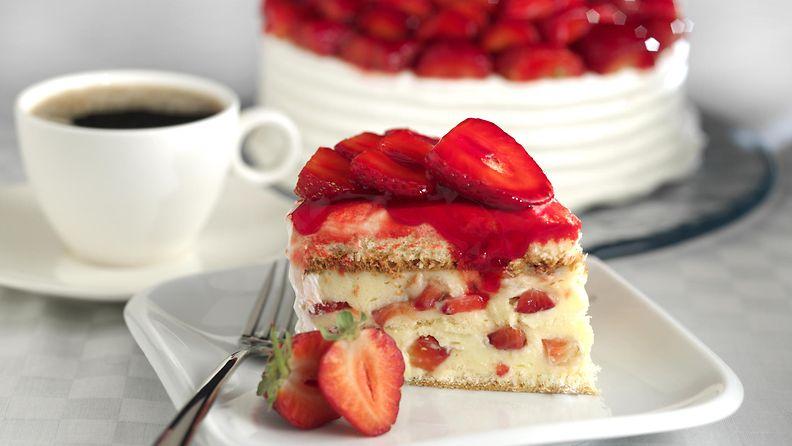 Kakku täytekakku mansikkakakku
