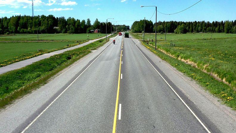 tieliikenne, liikennemerkki, tieliikennelaki 4