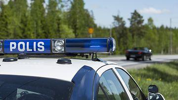 poliisiauto poliisi