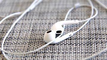 likaset kuulokkeet2