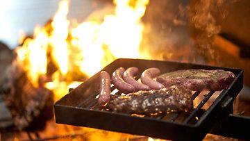 Grilli liha grillimakkara grilliliha