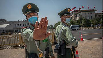 Kiinalaissotilaita kuvattuna kommunistisen puolueen kongressissa Pekingissä toukokuun lopussa.
