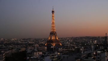 AOP, Pariisi, Eiffel