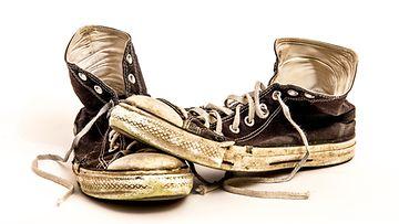 shutterstock_likaiset kengät