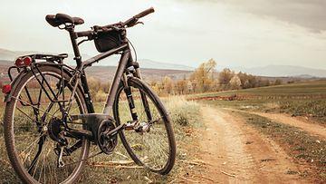 Shutterstock: Polkupyörä, maisema
