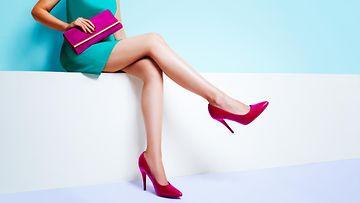 nainen, jalat, korkokengät