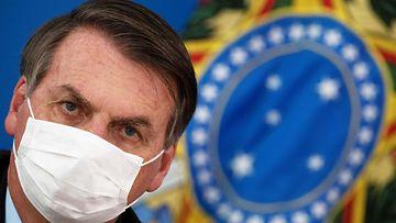 EPA: Jair Bolsonaro, Brasiölian presidentti, koronavirus
