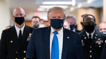 AOP Donald Trump suojamaski kasvomaski maski
