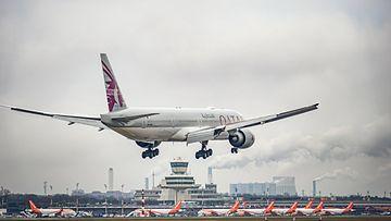 AOP lentokone, jumbojetti, Qatar Airways Boeing 777