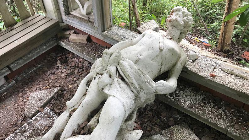 Vöyri kaatunut patsas