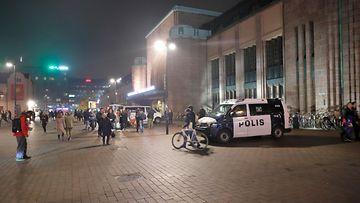 AOP, poliisiauto, poliisi, helsinki, rautatieasema, rautatientori, poliisipartio, kuvituskuva
