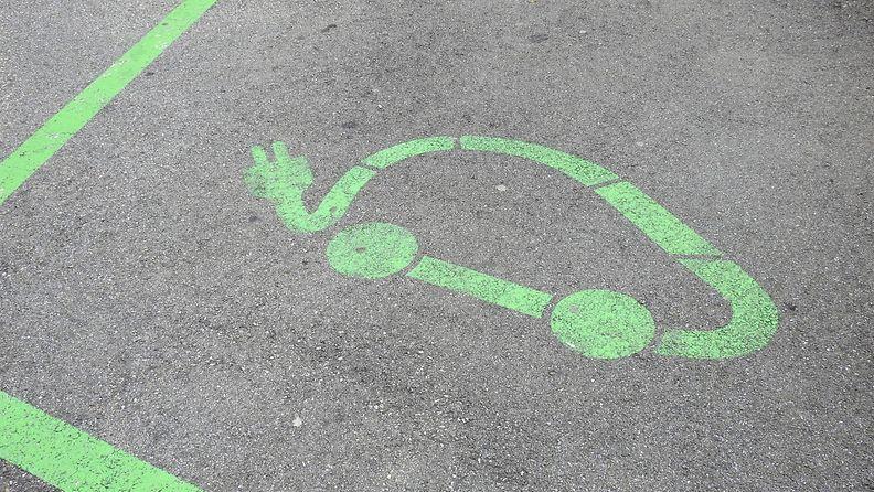 aop sähköauto sähköautot lataus laturi