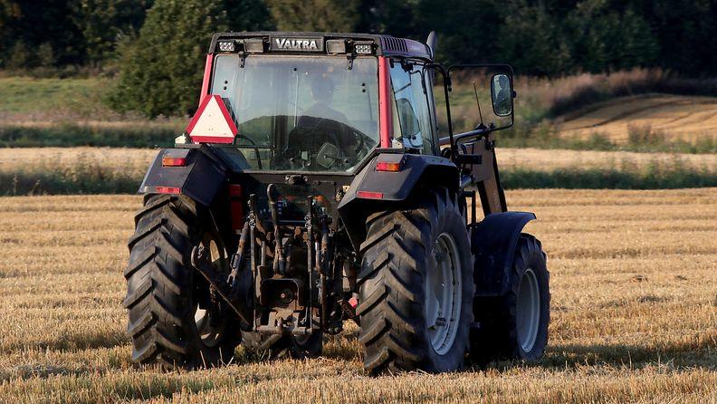 AOP traktori