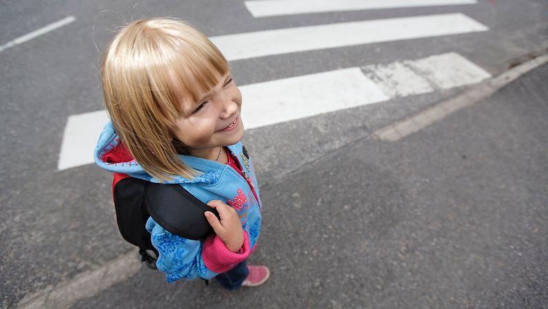 liikenneturva lapsi suojatie