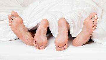seksi pariskunta sänky rakastelu AOP