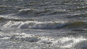 Meri tuuli aallot myrsky AOP
