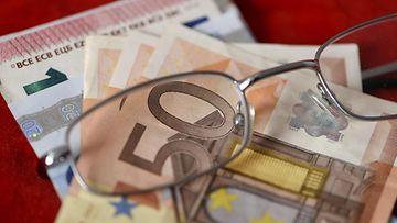LK raha euro eläke silmälasit