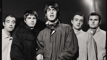 Oasis - Photo - 2 - Glastonbury 1995 Credit Jill Furmanovsky