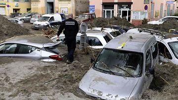 LEHTIKUVA Syysmyrsky on tehnyt Ranskassa laajaa tuhoa.