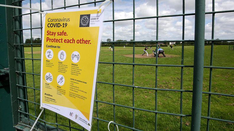 Dublin jalkapallokenttä heinäkuu 2020 koronavirus Irlanti