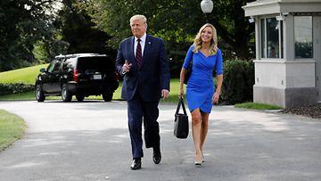 Donald Trump ja Kayleigh McEnany 15.9.2020 Valkoinen talo Washington