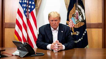 Donald Trump 4.10.2020 videopuhelut Maryland sairaala korona