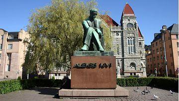 Aleksis Kivi patsas AOP